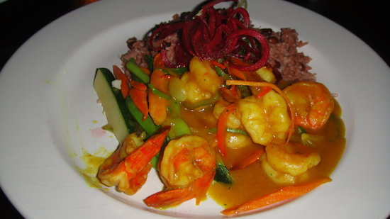 The Twisted Kilt Lounge: Curried Shrimp with Rice and Peas