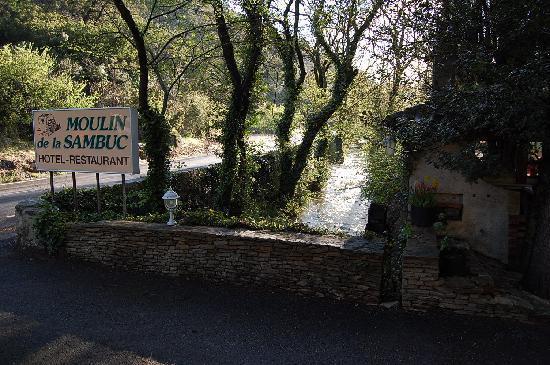 Hostellerie du Moulin de la Sambuc: L Huveaune