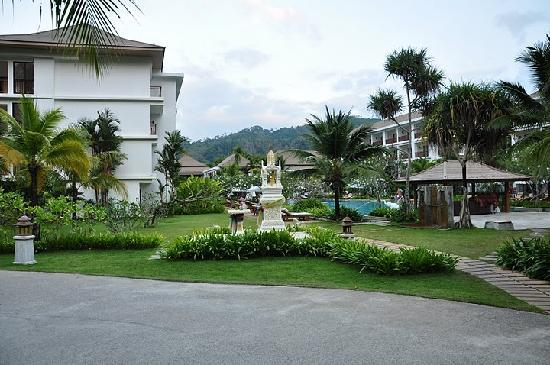 Naithonburi Beach Resort: Resort