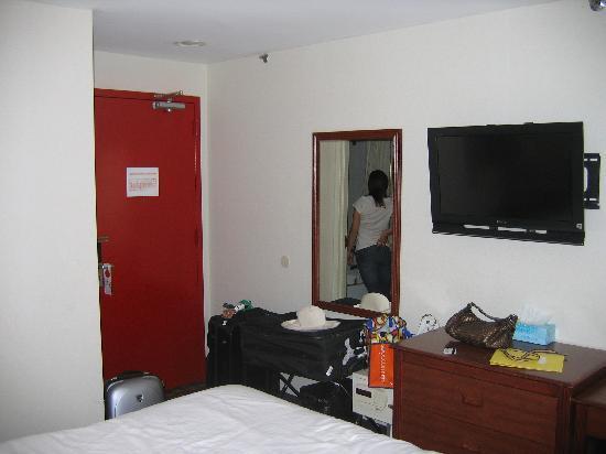 ويندسور هوتل: June 2010