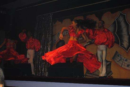 ClubHotel Riu Bambu: night entertainment