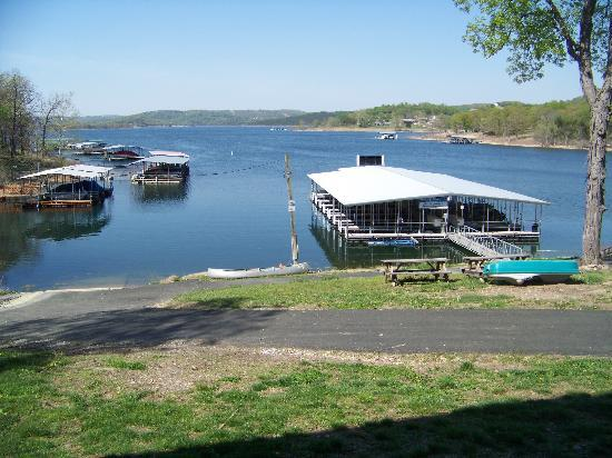 Lakeside Resort Restaurant & General Store: Lakeside Resort Boat Dock & Boat Ramp