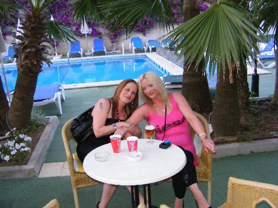 Hotel JS Yate: Pool area