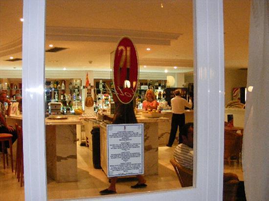 Hotel JS Yate: Snack bar.