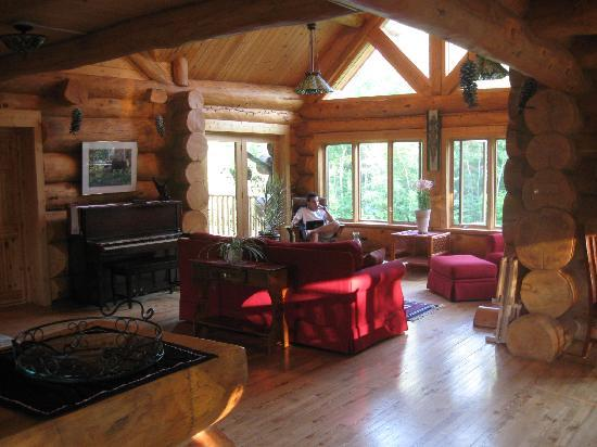 Superior Gateway Lodge Organic Bed and Breakfast: cozy
