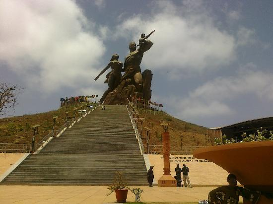 SenegalStyle Tours: African Renaissance statue