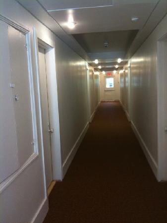 Greenview Hotel: Hallway