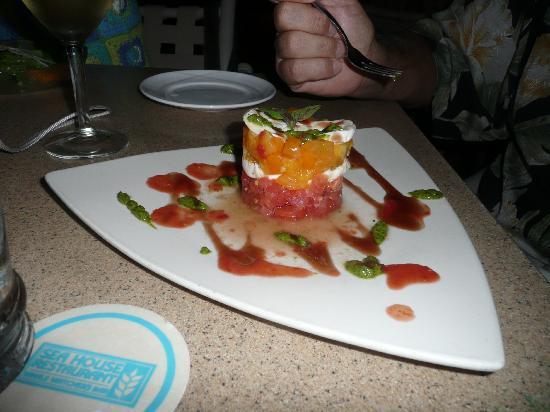 Sea House Restaurant: Caprece Salad