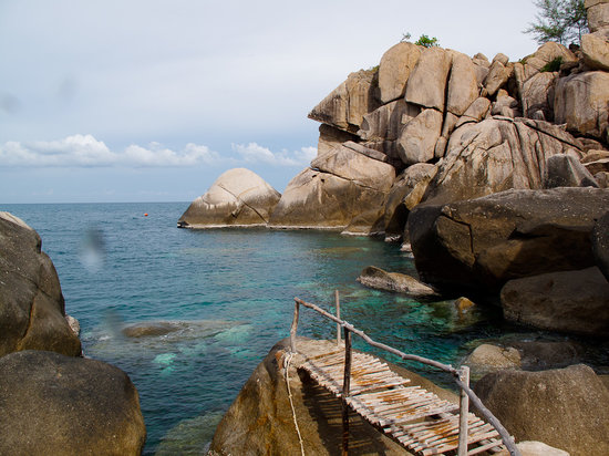 Goodtime Adventures, Koh Tao: The cliff jump spot