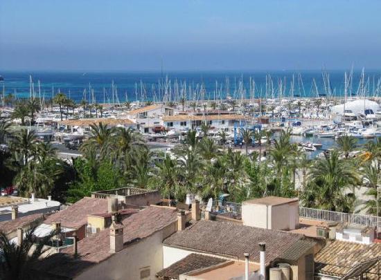 Hotel Gracia: Ausblick vom Hotelzimmer über den Hafen