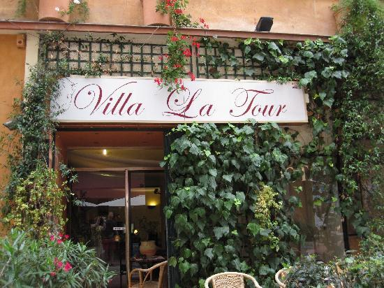 Hotel Villa La Tour: Main entrance