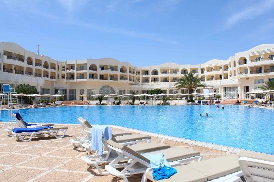 El Mouradi Gammarth : nice pool area
