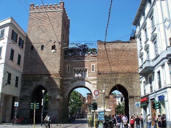 Archi di Porta Nuova: Porta Ticinese lato esterno