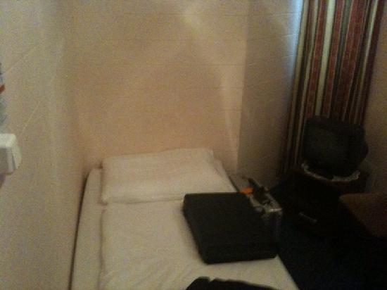 Hotel Central Inn: Leider nur ein Handyfoto, ich stehe im Einang!
