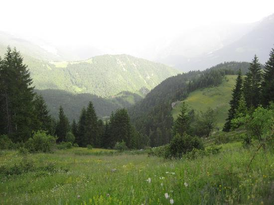 Rugova Mountains: View from trail to Hajla to Rugova