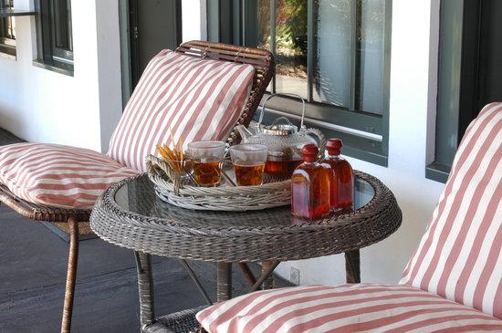 Casa de Santo Antonio de Britiande: tea on the porch in may