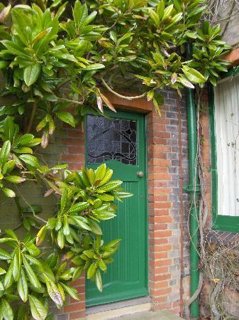 Shaw's Corner: Door to GBShaws House