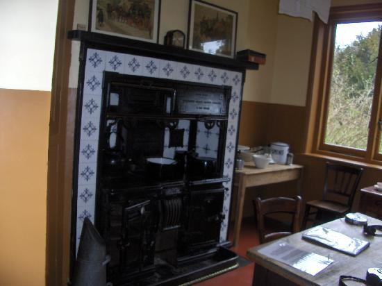 Shaw's Corner: Fireplace in Kitchen of GB Shaws house