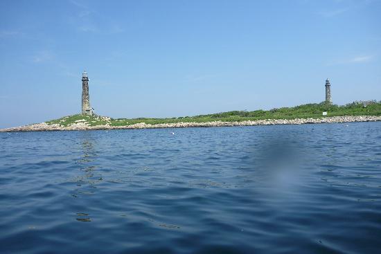 Northshore Kayak: Thatcher Island from my kayak