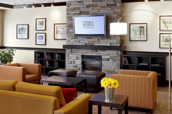 Four Points by Sheraton Halifax: Lobby