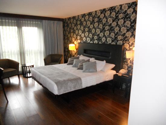 The Twelve Hotel: Lovely large room