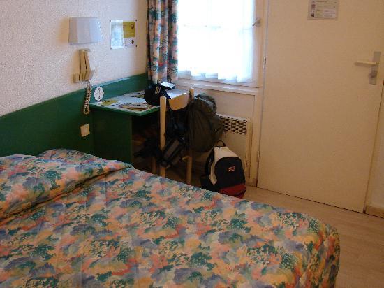 B&B Hotel Saint Malo : Particolare della camera