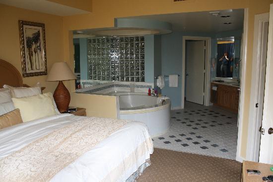 ماريوتس إمبريال بالم فيلاز: Master Bedroom