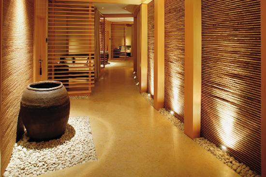 The spa at elbow beach bermuda paget parish top tips before you go with photos tripadvisor - Corridor decoratie ...