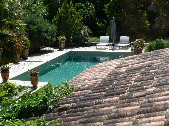 Le Domaine de Mejeans : View to the pool from our suite