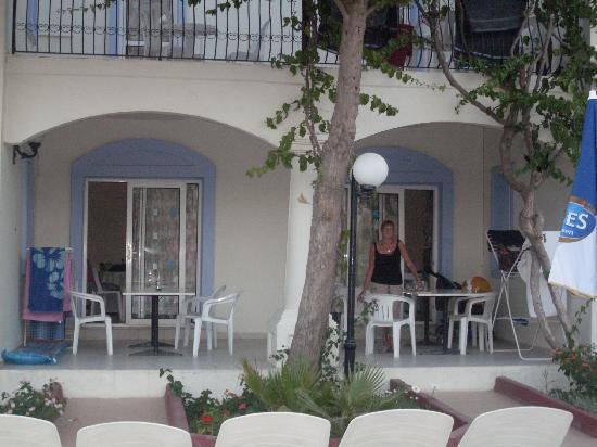 Club Paloma Apartments: Our apartments - some are shared balcony/terrace but are plenty big enough to share!