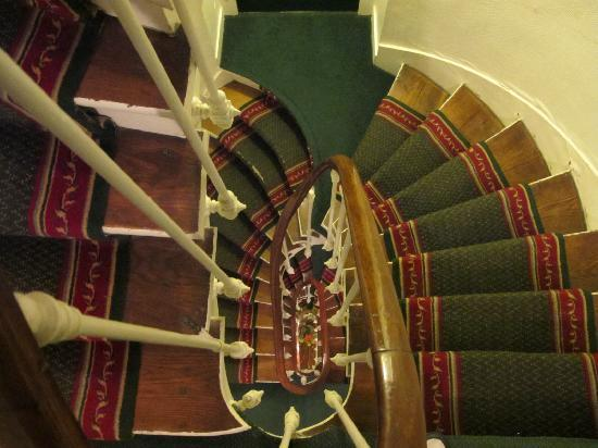 New Orient Hotel: Staircase