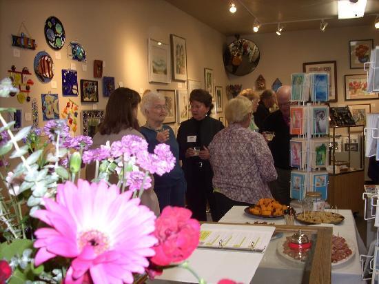 Backstreet Gallery: Art Lovers galore