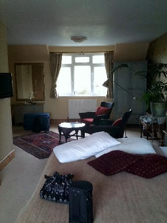 Henley Hotel: Large Room (no 2)
