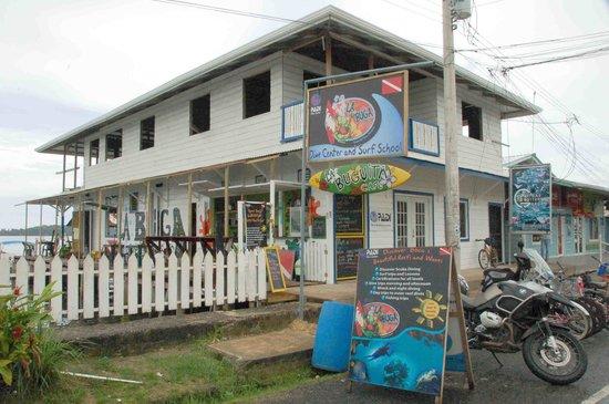 La Buga Dive Center & Surf School: Front view
