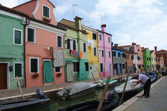 Burano, إيطاليا: Transportation in Burano