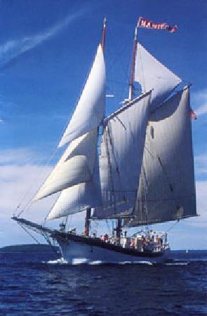 Tall Ship Manitou - Day Tours: Tall Ship Manitou