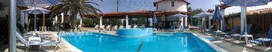 Votsalakia Hotel: panorama of the pool