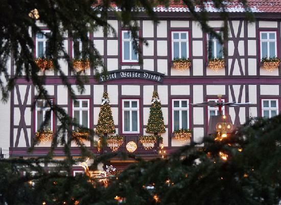 Ringhotel Weisser Hirsch: Weisser Hirsch - Fassade zu Weihnachten