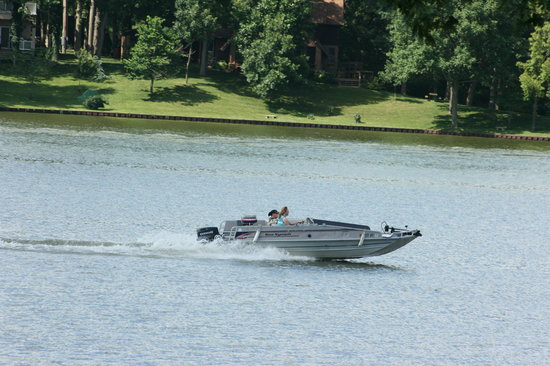 Effingham, IL: Lake Sara, Boating