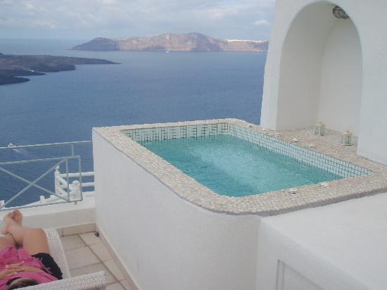Jacuzzi for two on our balcony photo de adamant suites for On our balcony