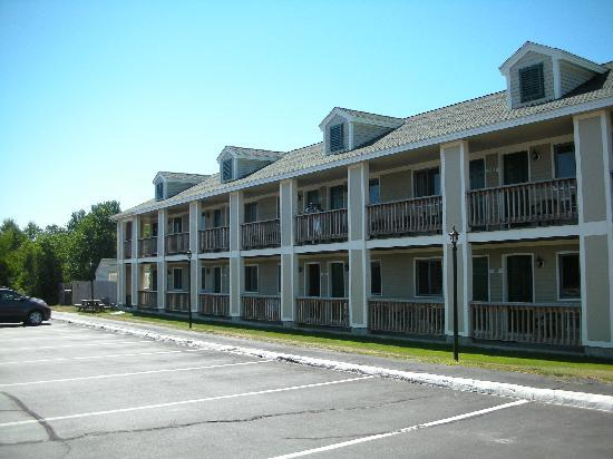 Sea Mist Resort Motel: Front View
