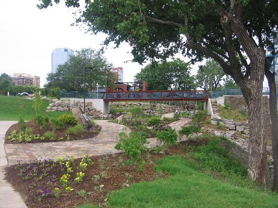 Riverfront Park: Section of walkway with plants.