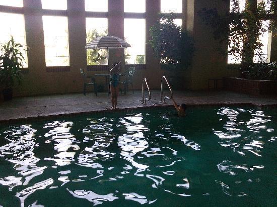 La Quinta Inn & Suites Los Banos : The kids lovin' the pool!