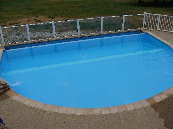 Hotel Club Font d'Urle: minuscule piscine