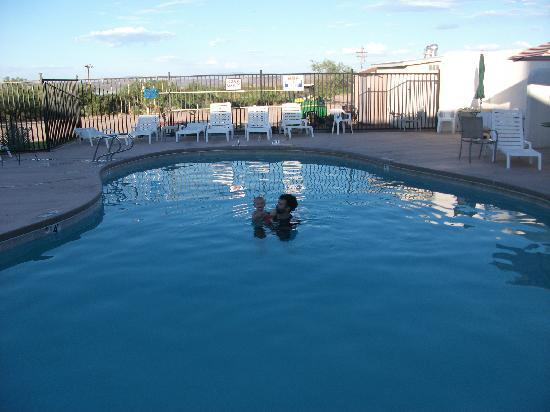 Elephant Butte Inn: the pool