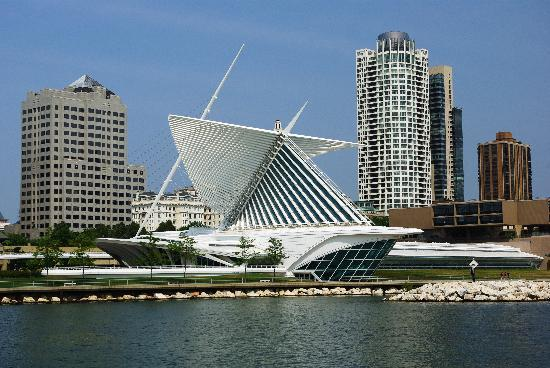 Iron Horse Hotel: Milwaukee Art Museum mit dem Anbau von Santiago Calatrava