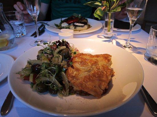 Fellinis : Baklava + aubergine-mozzarella parcels