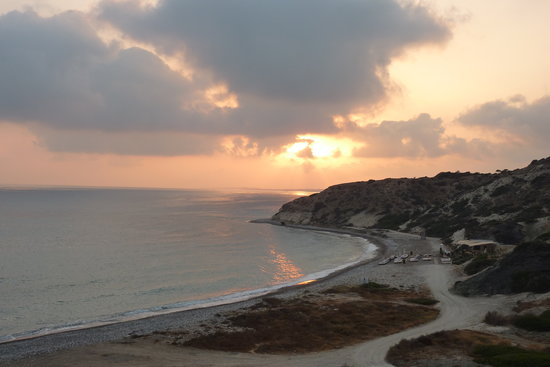 Kouklia, Cypern: Sunset view from the cove