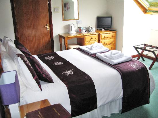Woodlands Guest House: Bed
