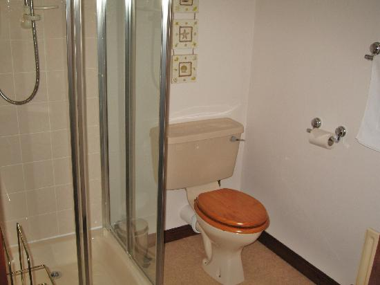 Woodlands Guest House: Bathroom